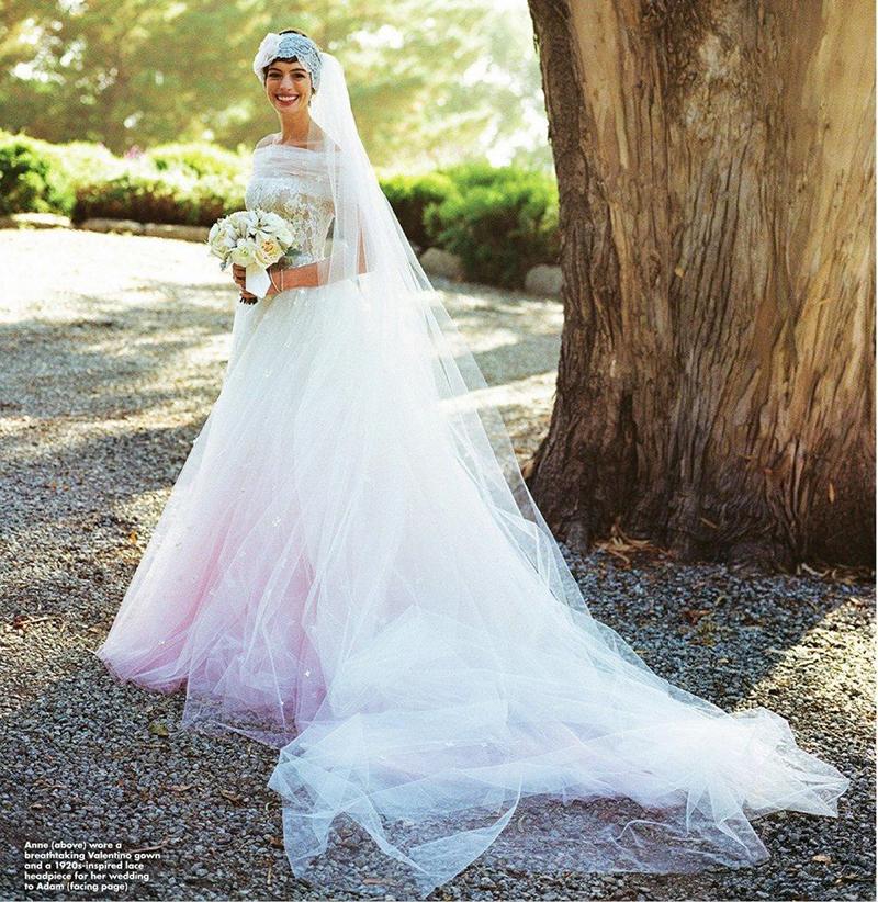 vestido de noiva com tule de Anne Hathaway
