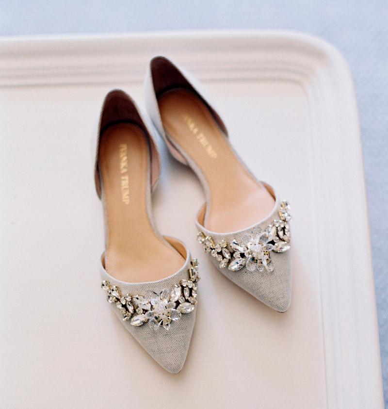 574117f1e Sandália, sapatilha e tênis! Dicas de sapato sem salto para noiva