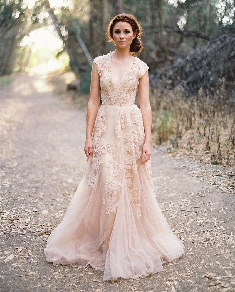 Vestido de noiva com cor para usar rosé e champagne