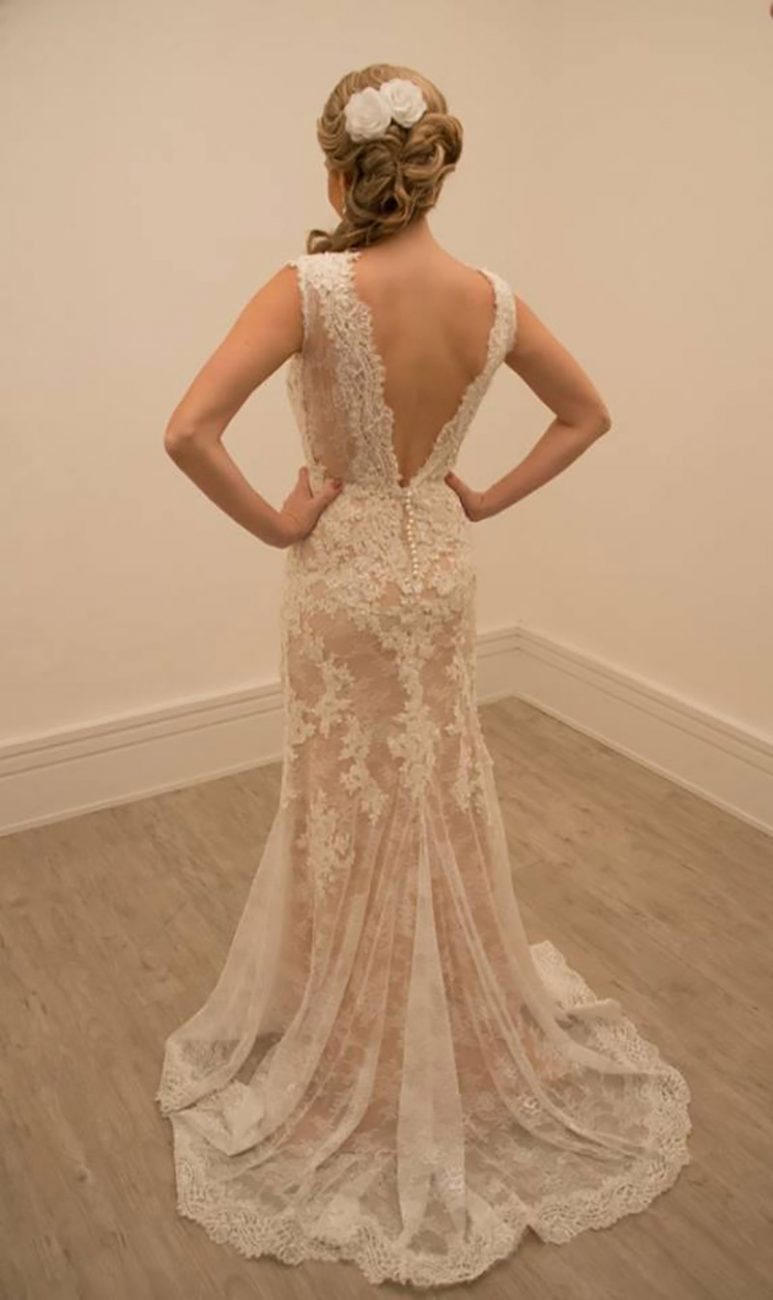 0f21e850c3 20 inspirações de vestido de noiva com cor para usar essa linda ...