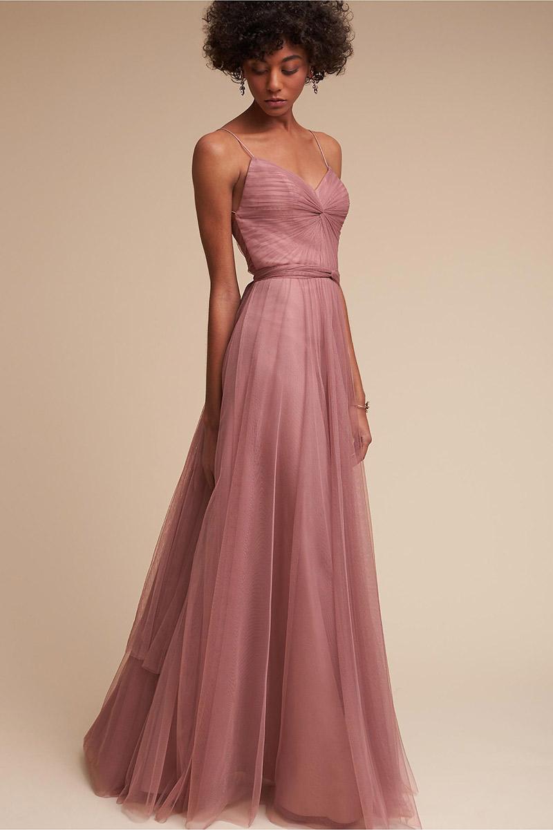 Vestidos de madrinha rosa para pele morena