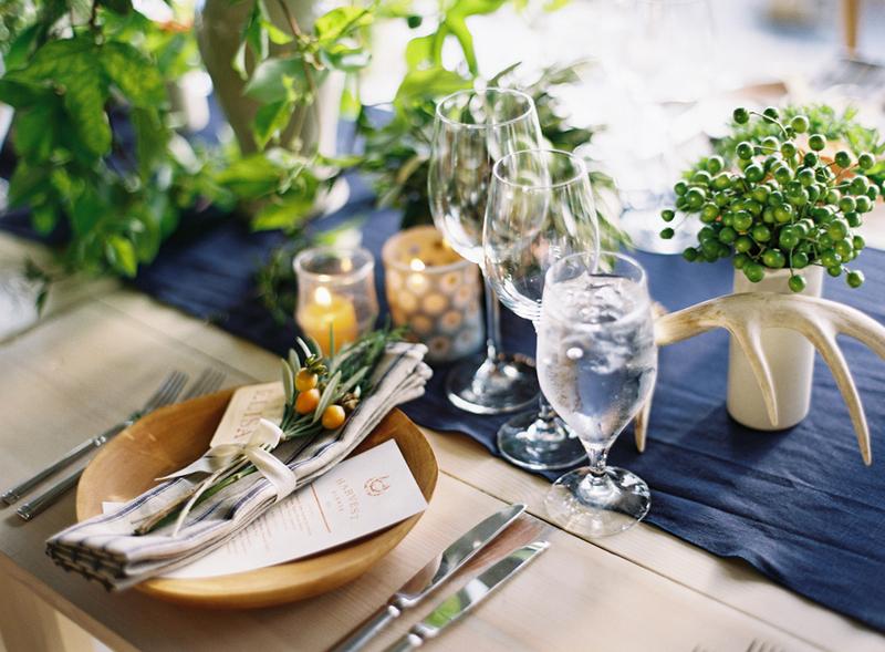 azul marinho na decoração do casamento
