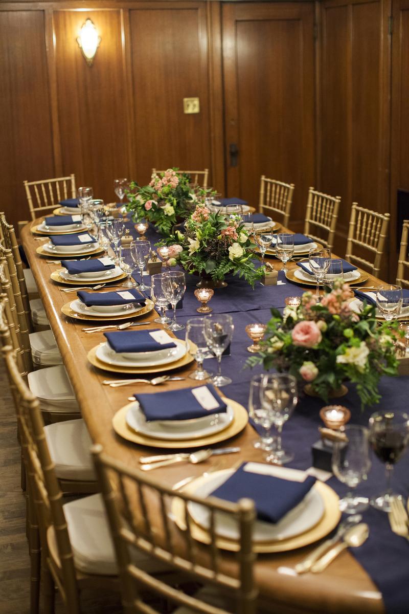 cbb691460f04c Azul marinho na decoração do casamento | 30 inspirações e como usar