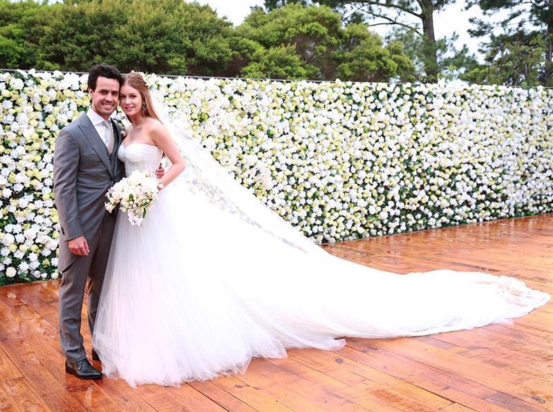 c211850534 Marina Ruy Barbosa usou vestido de noiva com tule em seu casamento