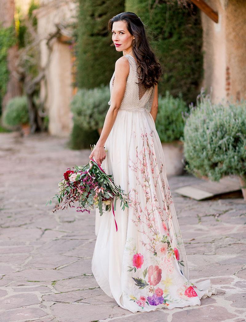 vestido com detalhe colorido