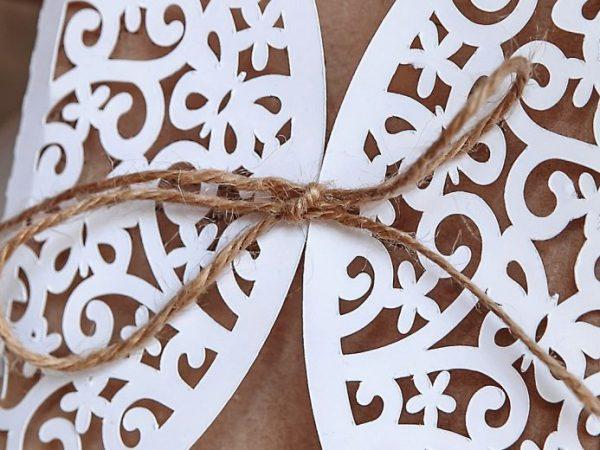 convite-de-casamento-com-renda-papel-branco