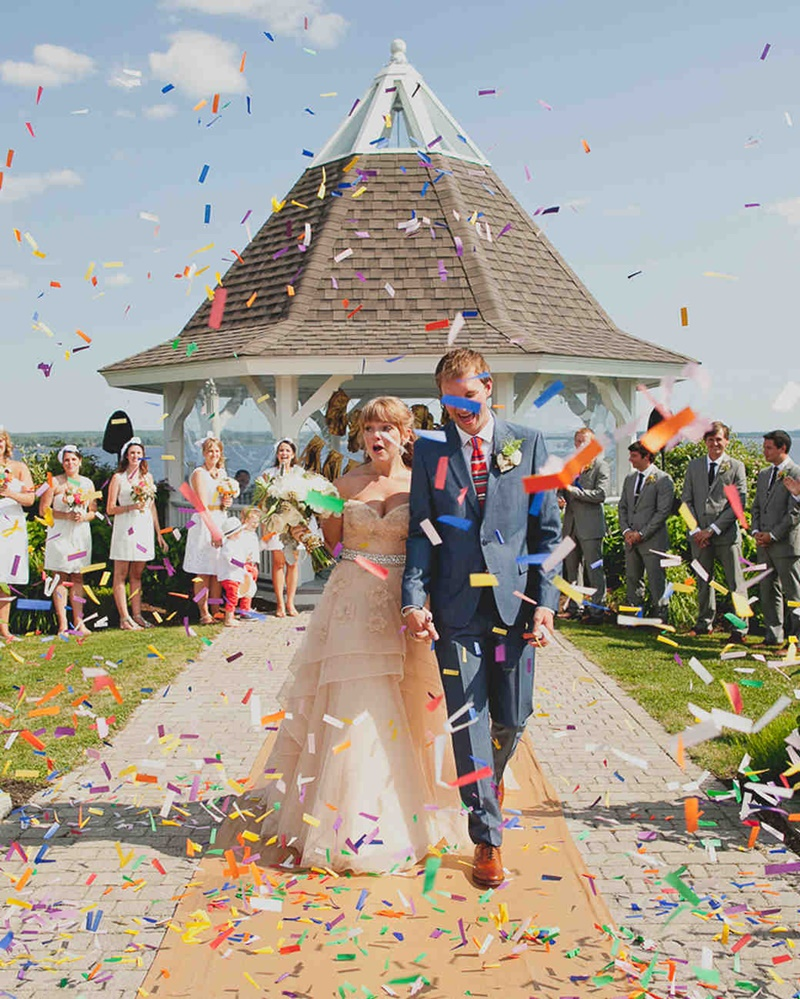 papel colorido para jogar nos noivos na saída do casamento