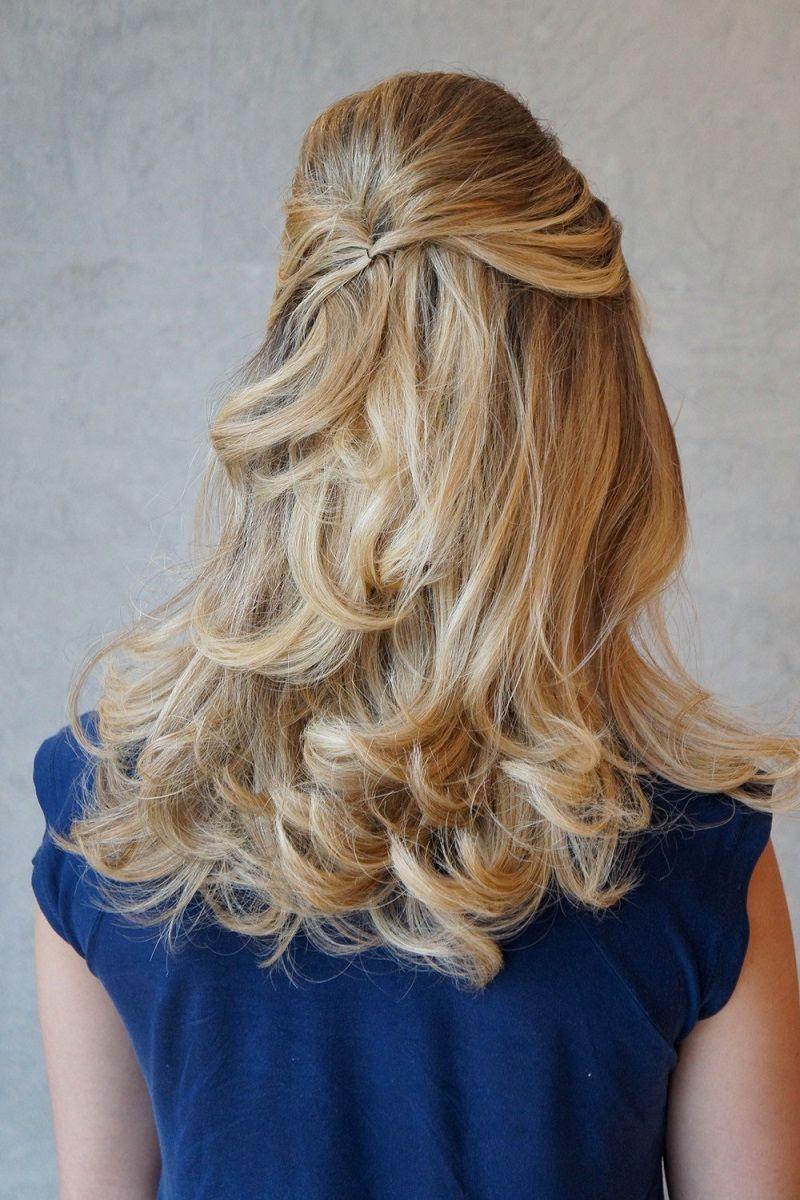 penteado-para-madrinha-de-casamento-semipreso-para-cabelo-curso