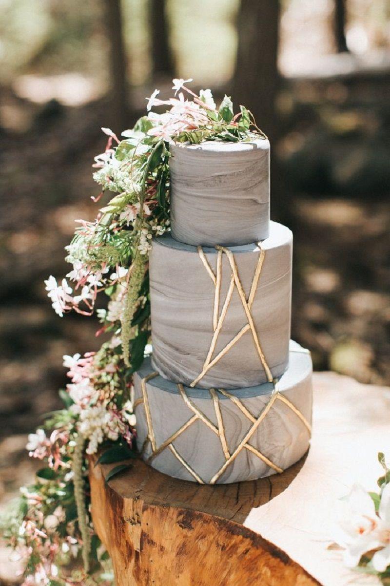 bolo-de-casamento-branco-com-efeito-mármore-em-cor-cinza