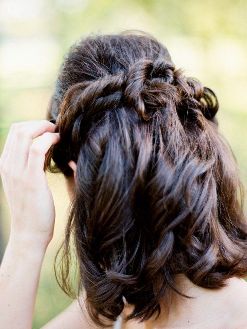 penteado-para-madrinha-de-casamento-semipreso-para-cabelo-curto