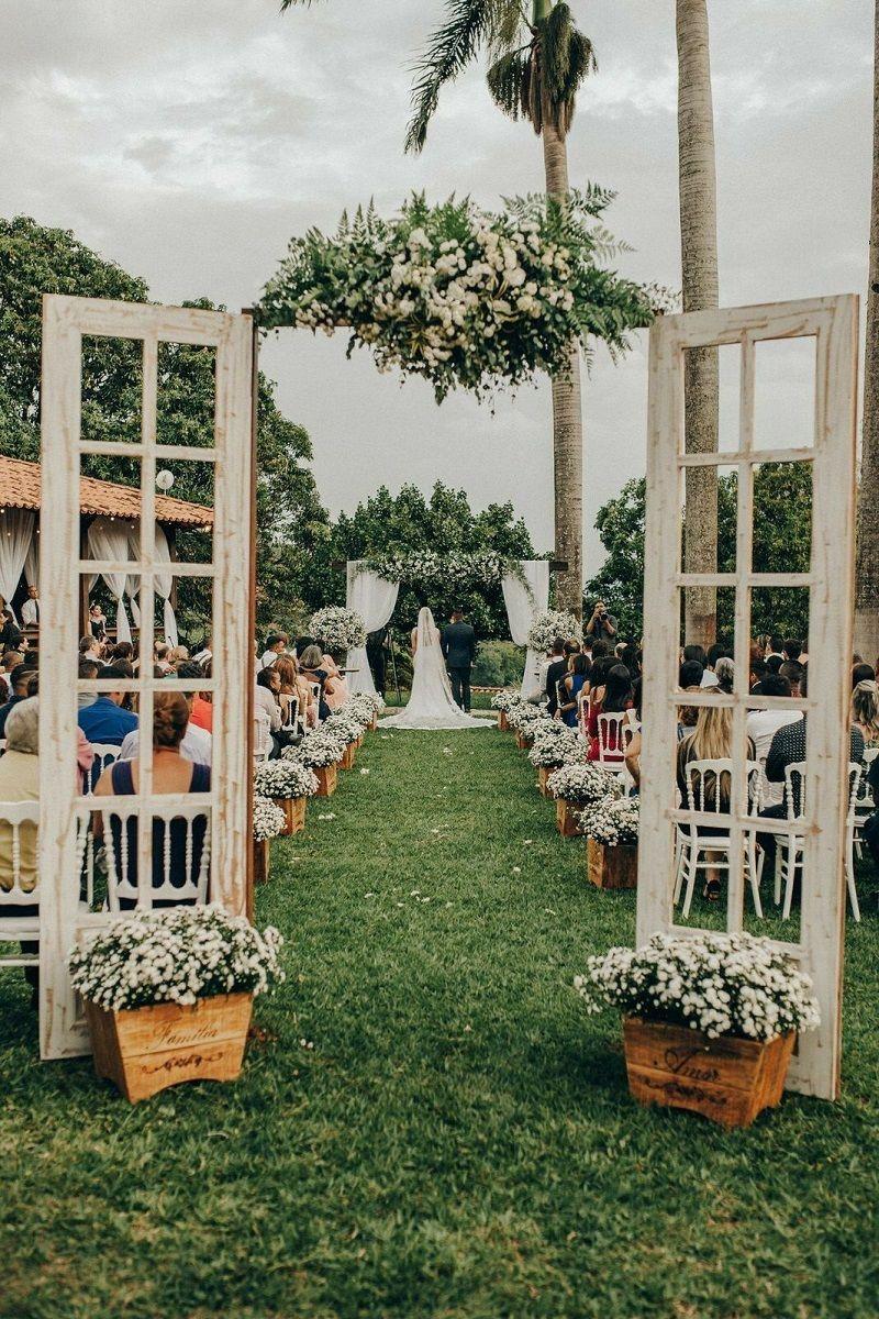 portal rústico para casamento ao ar livre