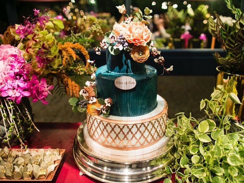 bolo-de-casamento-com-efeito-mármore-verde
