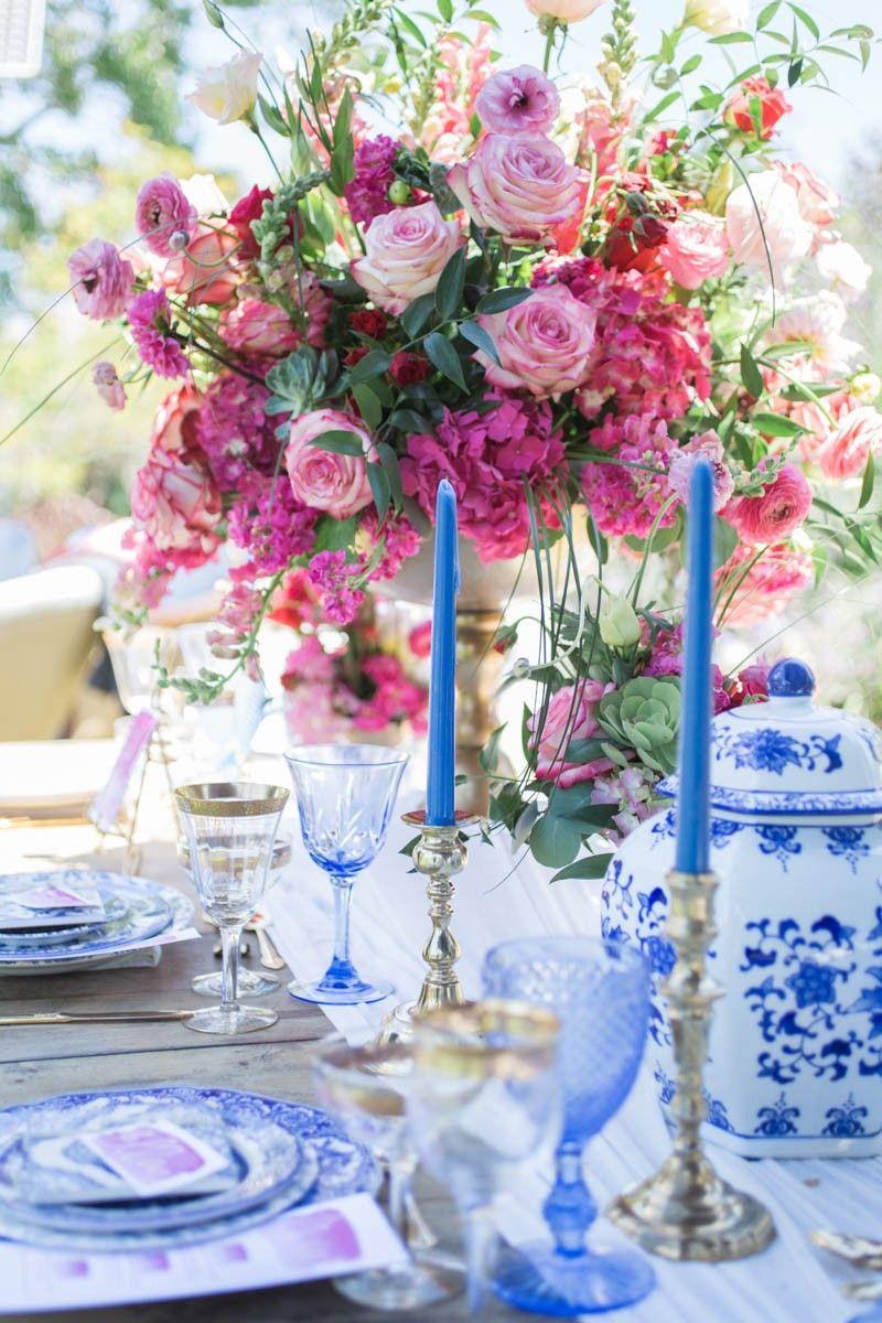 porcelana portuguesa na decoração de casamento ao ar livre