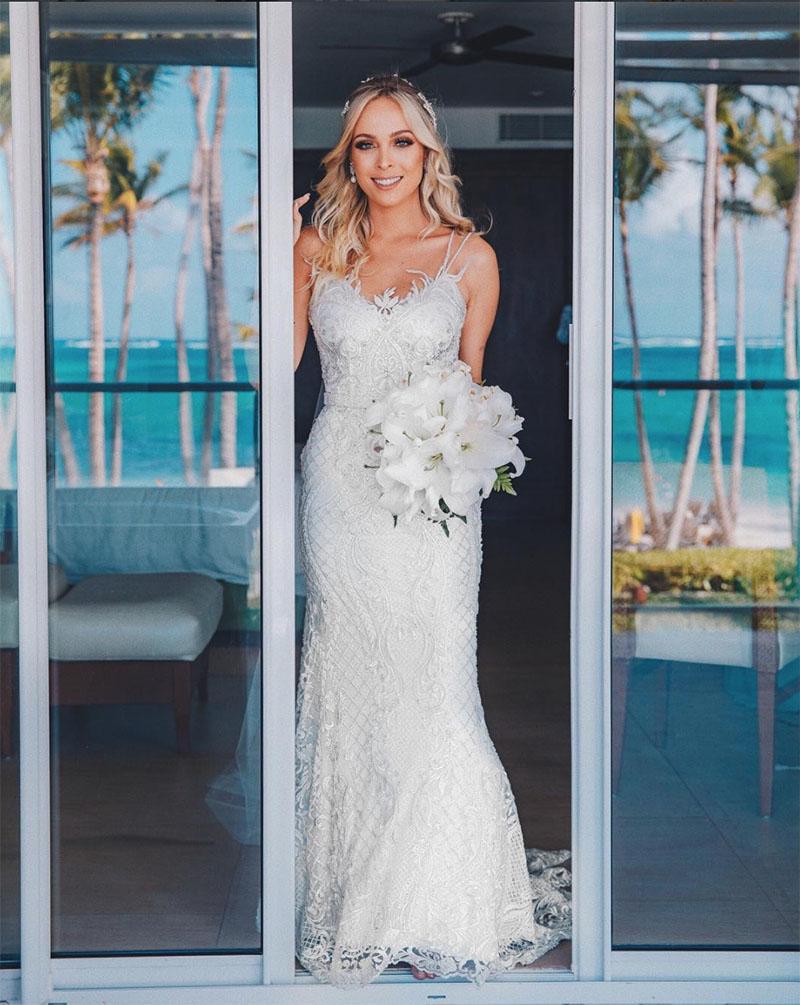 692139c1f7 Vestido de noiva com renda