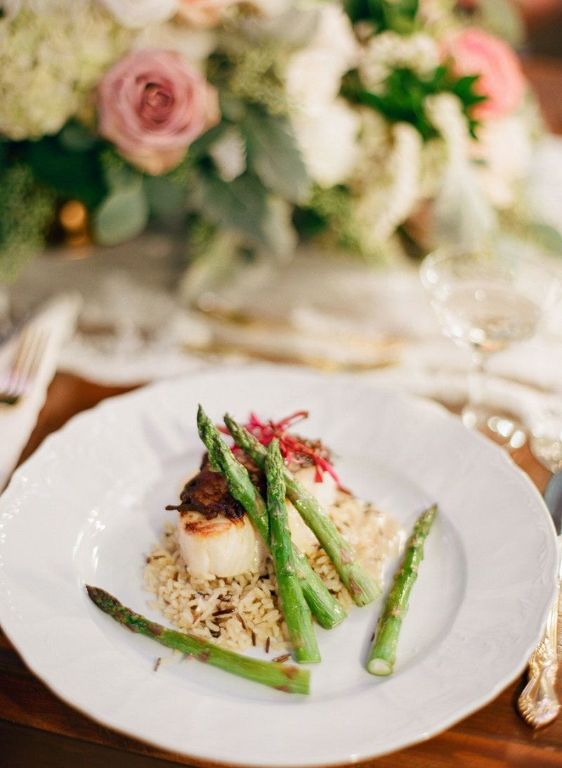 buffet para casamento prato-de-aspagos-e-viera-para-buffet-para-casamento-light