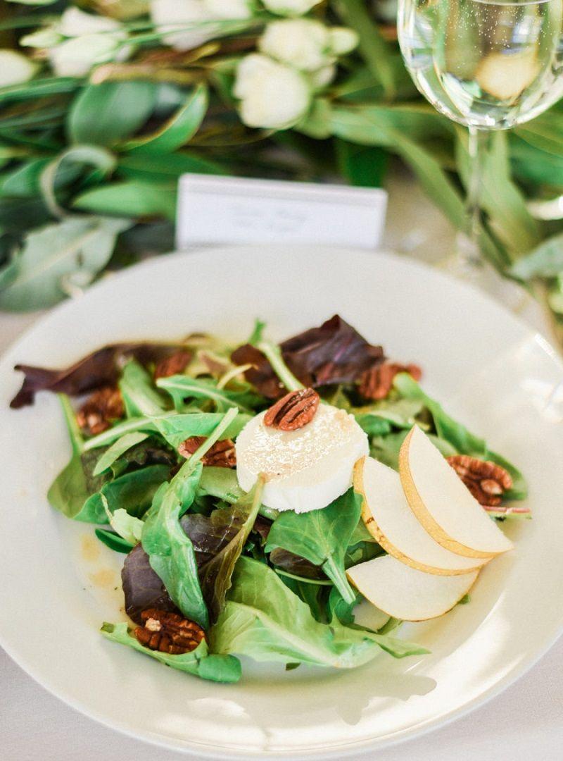 buffet para casamento prato-de-salada-em-buffet-para-casamento-light