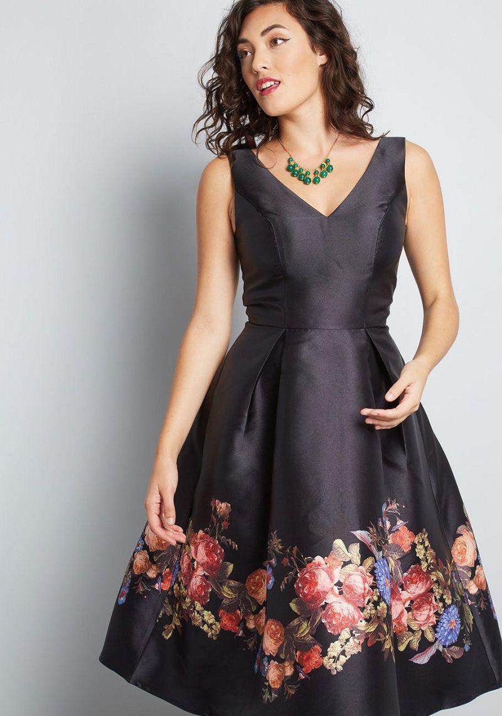 vestido-de-festa-curto-preto-com-flores