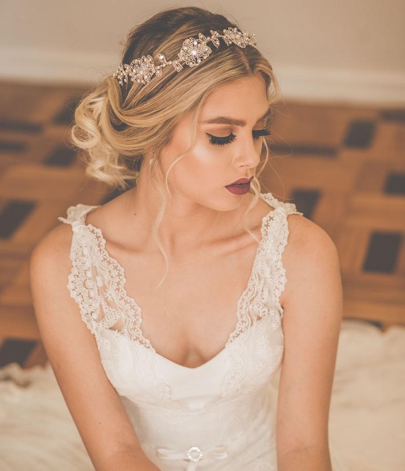 tiara-para-noiva-com-perolas-e-flores