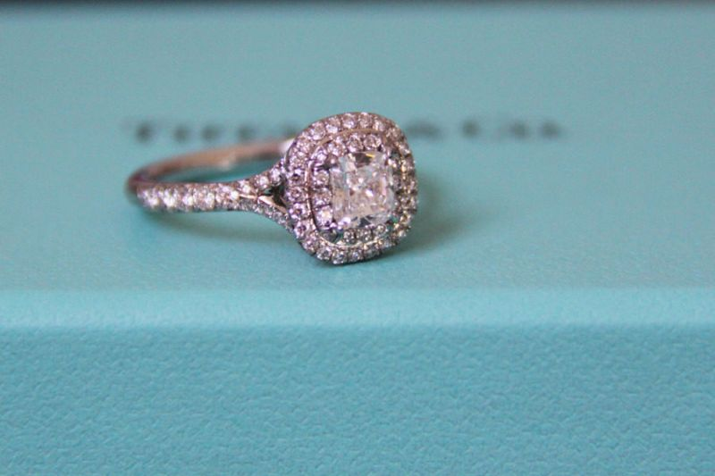 Anel de noivado Tiffany  b2a1330a9f1f3