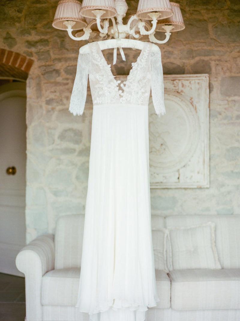 Vestido de noiva corte retoVestido de noiva corte reto