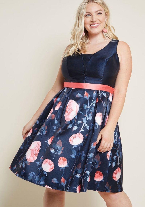 vestido-de-festa-curto-azul-marinho-com-rosas