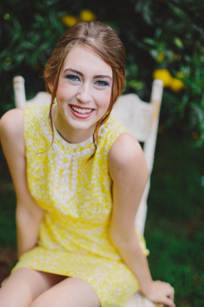 vestido-de-festa-curto-amarelo