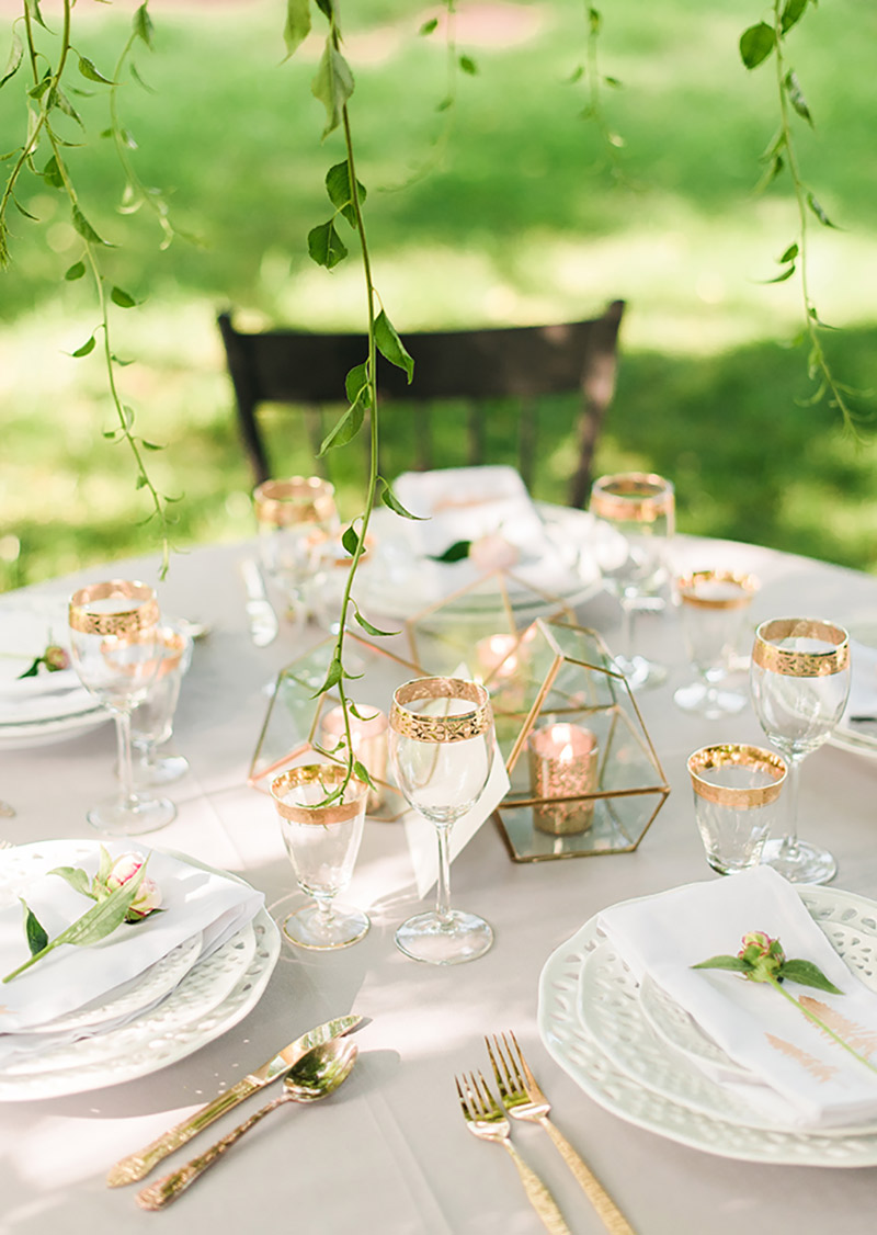 decoração-de-casamento-com-utensílios-cromados