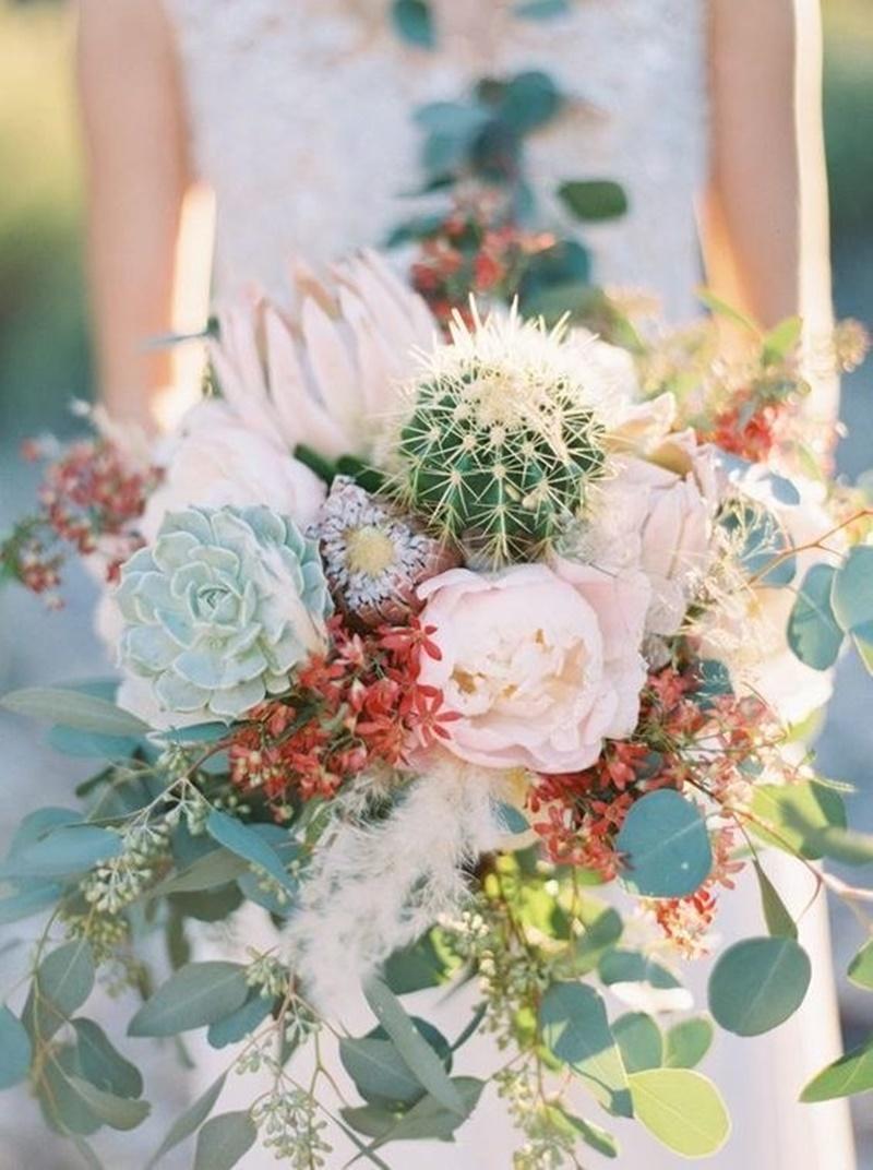 Buquê de noiva com cactos