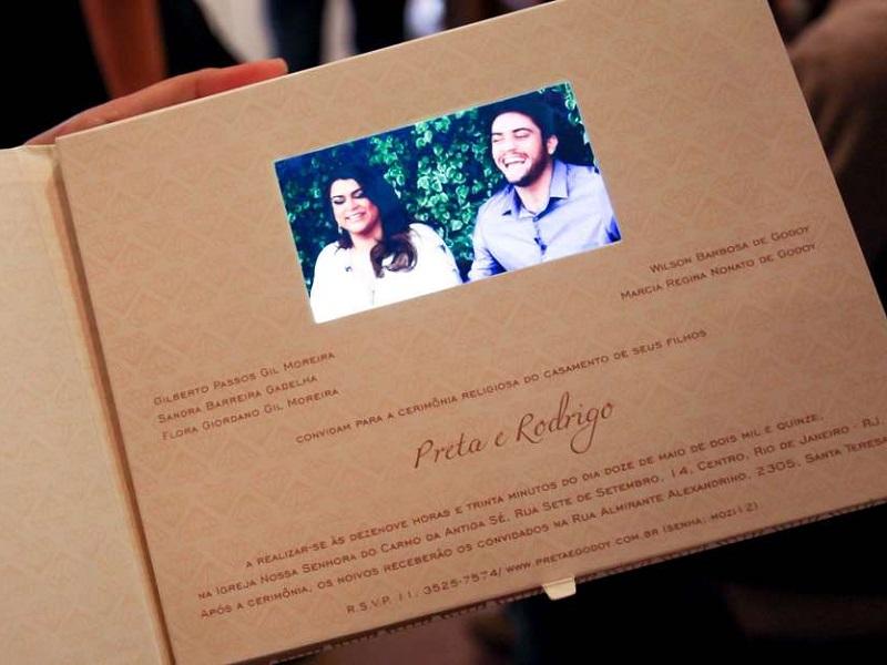 convite-de-casamento-com-mini-tv