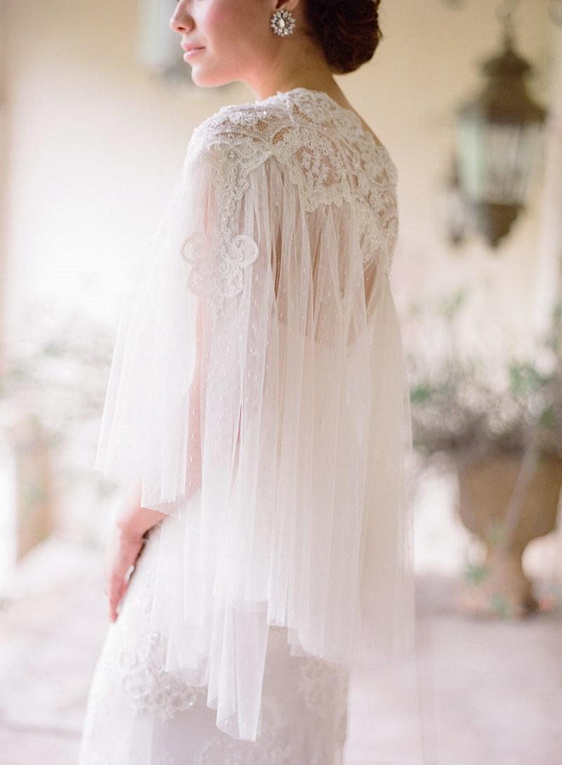 vestido-de-noiva-com-capa-curta