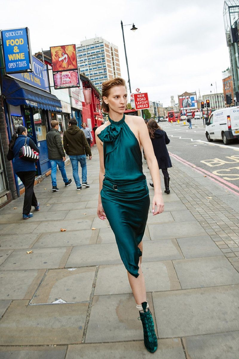vestido-de-festa-midi-verde-esmeralda