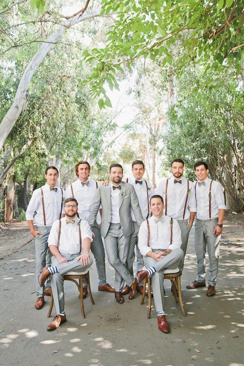 noivo-e-padrinhos-reunidos-em-foto-de-casamento