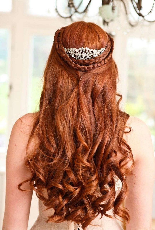 noiva-ruiva-com-penteado-semipreso