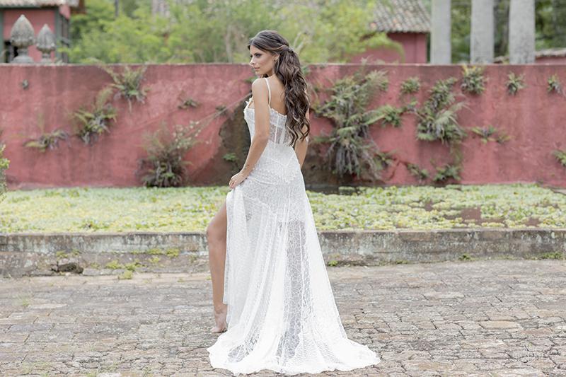 vestido de noiva com fenda na saia 4