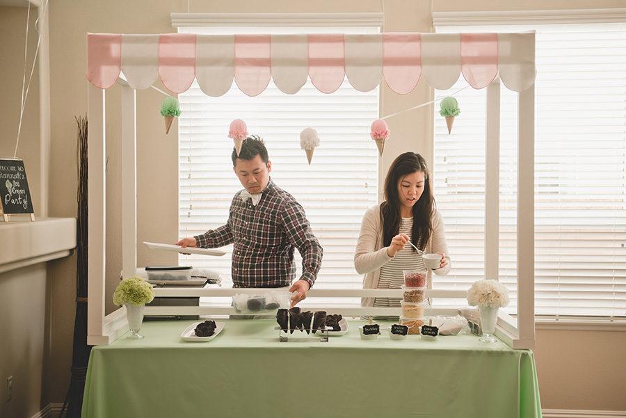 casal-preparando-sorvete