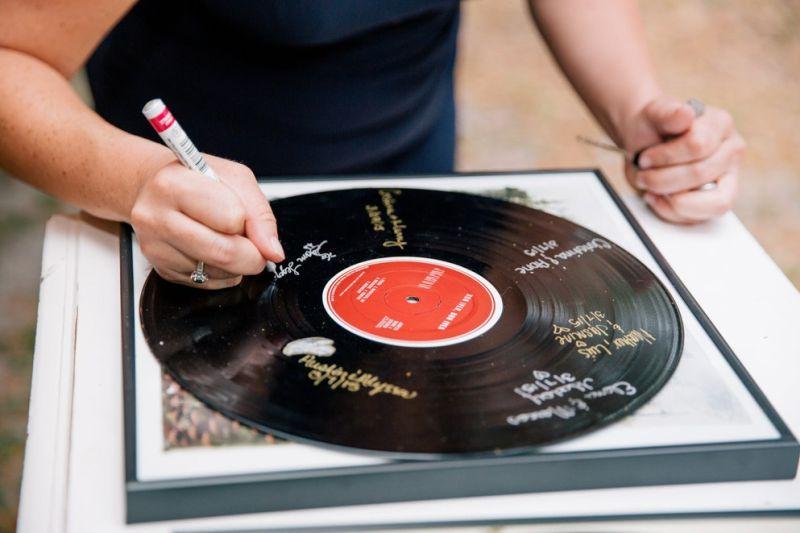 Para os amantes de música, disco é opção para inserir mensagens
