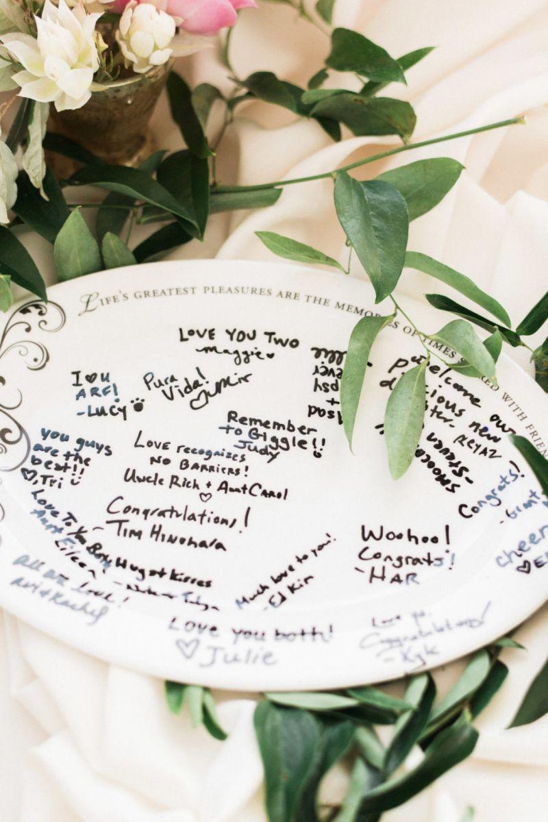 Prato também é uma opção para inserir mensagens de casamento