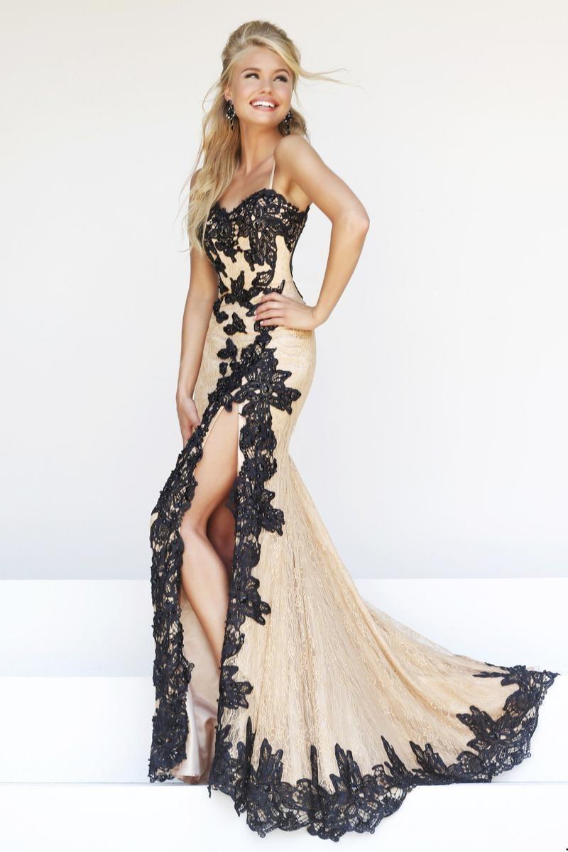 modelo-de-vestido-para-festa-nude-com-detalhes-em-preto