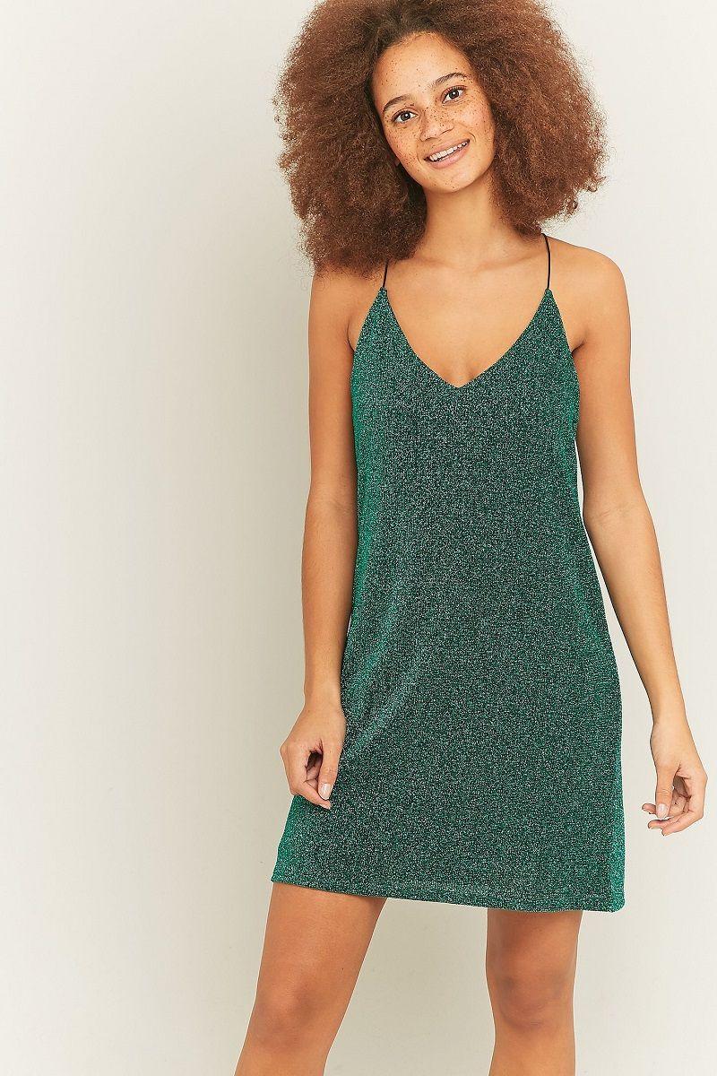 Modelo-de-vestido-para-festa-verde