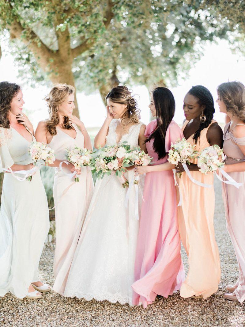 madrinhas-com-vestidos-em-tonalidade-pastel