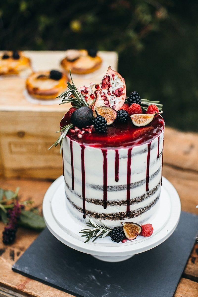 drip-cake-com-calda-vermelha