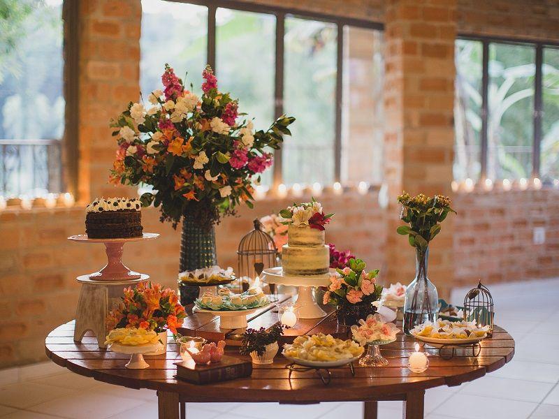 mesa-de-bolo-para-mini-wedding