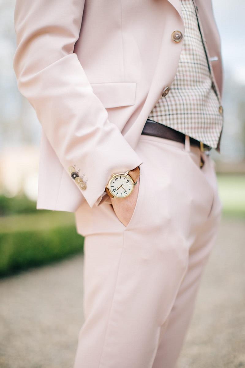 terno-rosa-para-noivo