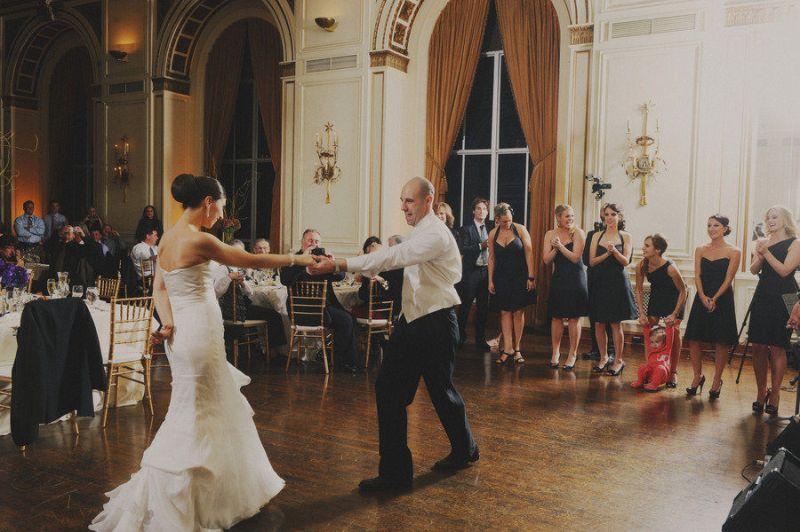 noivos-dançando-ao-som-de-músicas-evangélicas