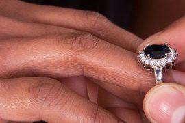 c906209a5 Anéis de noivado e alianças não tradicionais  dicas para escolher o modelo  ideal