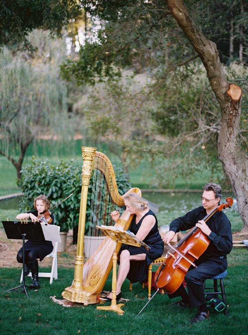 orquestra-tocando-músicas-românticas-internacionais