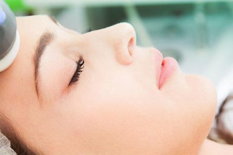 Tratamentos a laser para tirar manchas: indicações e cuidados antes do casamento