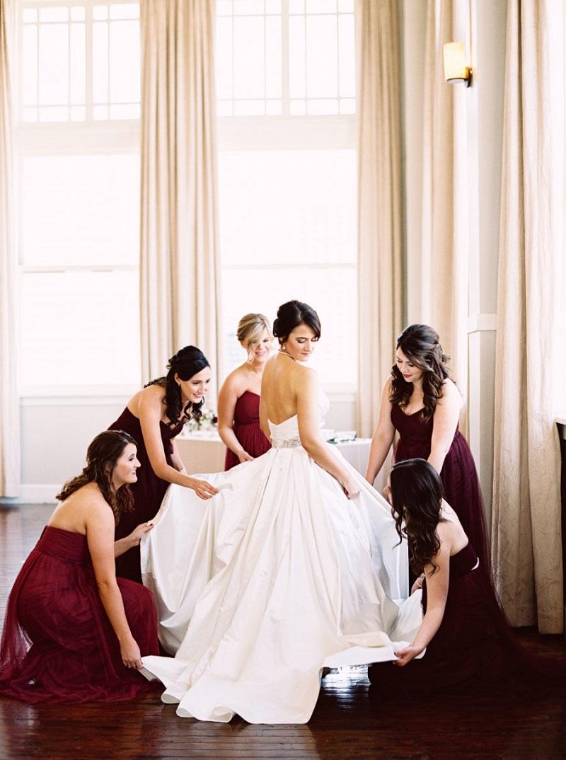 vestidos-de-madrinha-de-casamento-à-noite-vinho