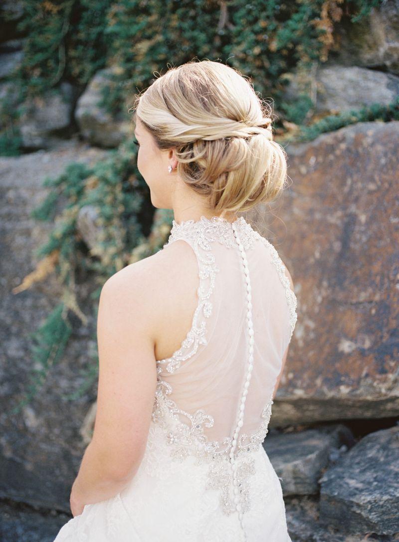 Inspiração de coque para noiva usar no casamento