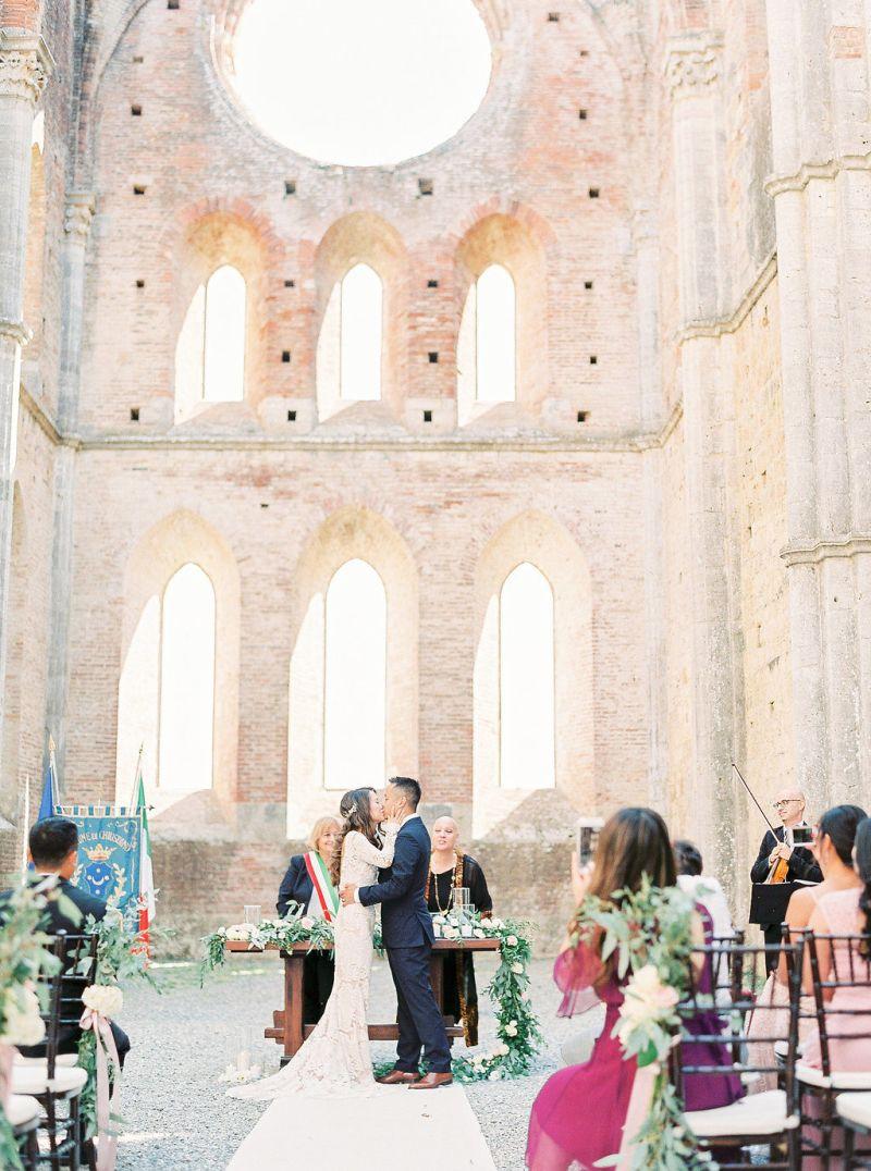 Casamento minimalista com poucos convidados